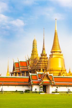 grand palace: Thailand, Bangkok, The Wat Phra Kaew ( Temple of the Emerald Buddha), famous for golden pagoda.