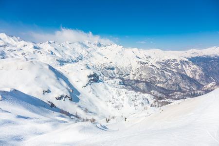ski slopes: Piste da sci nelle Alpi Giulie, parco naturale del Triglav, Vogel, Bohinj, Slovenia. Archivio Fotografico