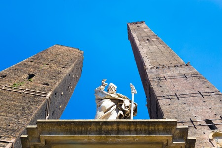 bologna: Asinelli Tower, one of the main sights in Bologna, Italy  Stock Photo