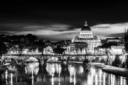 Night view of old roman Bridge of Hadrian and St  Peter s cathedral in Vatican City Rome Italy  Zdjęcie Seryjne