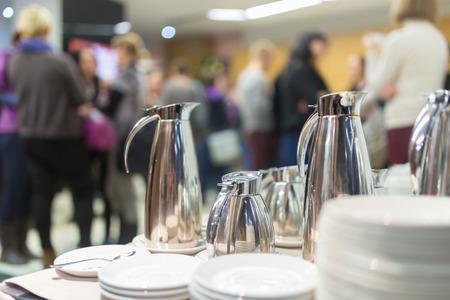 Koffiepauze op conferentie. Bedrijfsleven en ondernemerschap. Stockfoto