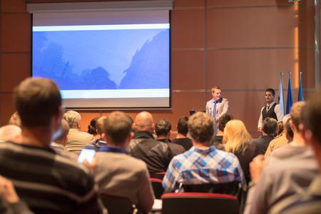publico: Los oradores en la Conferencia de Negocios con Presentaci�n p�blica. Club de Emprendimiento.