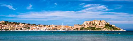 Calvi - Bunte Küstenstadt auf der Insel Korsika, Frankreich. Der Legende nach Christopher Columbus angeblich dort geboren.