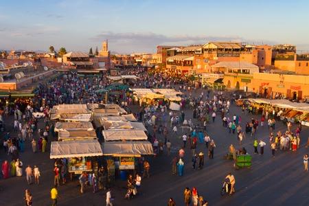 Jamaa el Fna ist Jemaa el Fna, Djemaa el Fna oder Djemaa el Fna auch ein Quadrat und Marktplatz in Marrakesch Medina Viertel. Marrakesch, Marokko, Nordafrika. Standard-Bild - 54811468