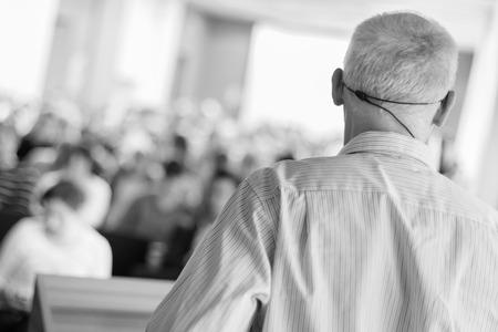 comit� d entreprise: Syndicat de r�union du comit� consultatif. Audience � la salle de conf�rence.