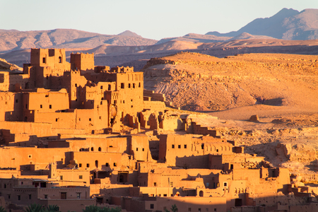 Ait Benhaddou,fortified city, kasbah or ksar, along the former caravan route between Sahara and Marrakesh in present day Morocco. It is situated in Souss Massa Draa on a hill along the Ounila River. Standard-Bild - 102658567
