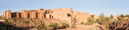 Panoramic view of magnificent kasbah or old traditional arab fortress in the city of Ouarzazate, Morocco. Standard-Bild - 112673006