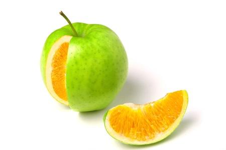 mistakes: manzana con naranja en el interior