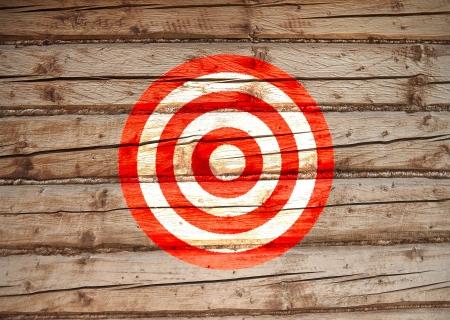 doel op de muur geschilderd, rood en wit Stockfoto