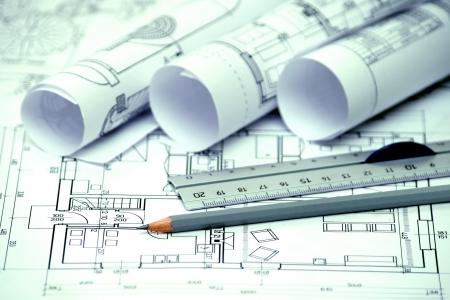 heap van architectonisch ontwerp en project blauwdrukken tekeningen van huis technische tekeningen Stockfoto
