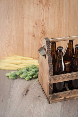 ipa: Craft beer from a wooden box