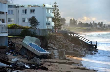 intense: SYDNEY 06.13.2016, After the big storm, houses at Collaroy Beach front. The intense storm Lashing the NSW coast has Causa Significant erosion Narrabeen and Collaroy at the Beach on Sydneys northern beaches last weekend.