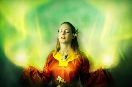 maquillaje fantasia: Mujer joven elfo o una bruja hacer magia. Fantas�a retrato