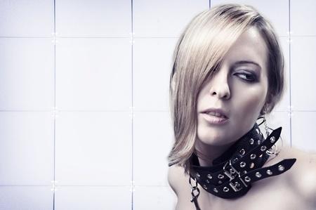 herrin: Portrait von sexy sch�nen blonden Frau in Leder Kragen Lizenzfreie Bilder