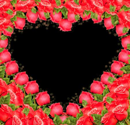 roses rouges: Heart - fronti�re de roses rouges sur fond blanc