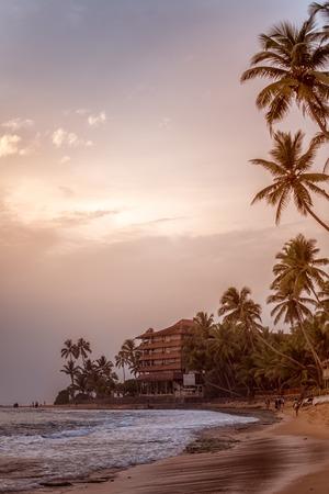 Beautiful tranquil evening sunset over the Indian Ocean on the sandy beach of Sri Lanka in Hikkaduwa Reklamní fotografie