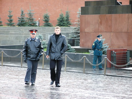 red square moscow: Los funcionarios de seguridad de la Plaza Roja de Mosc�