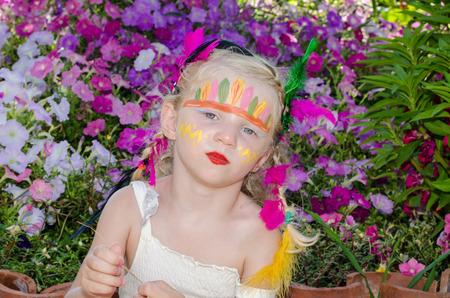 caritas pintadas: chica imagen pintura de la cara indio con