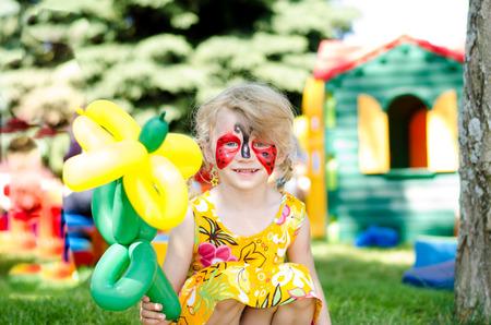 blond meisje met schminken Stockfoto