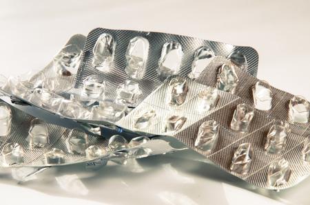 pilule: grupo de pastillas vac�as plata ampolla aislada