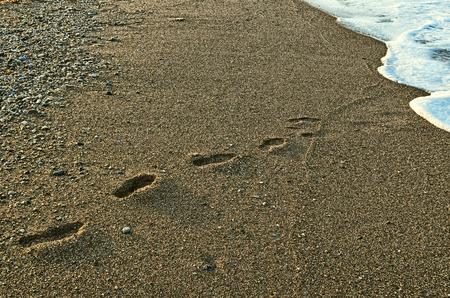 disappear: footprints