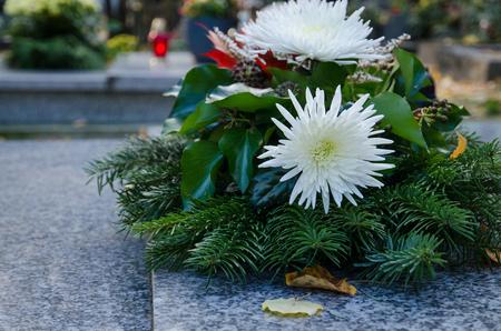 beautiful garland with white chrysanthemum flowr