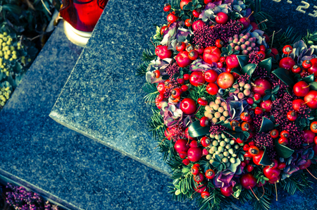 red burial decoration in heart shape 版權商用圖片