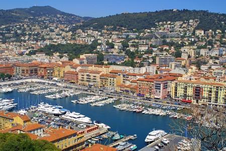 bella: Uccello vista panorama del porto della citt� di Nizza, Francia