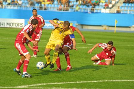 gusev: KYIV, Ucraina - 5 settembre 2009: Oleg Gusev (# 9), centrocampista di Ucraina nazionali di calcio squadra controlli palla durante il match di qualificazioni Mondiali 2010 contro Andorra a Kiev, in Ucraina, on April 5, 2009