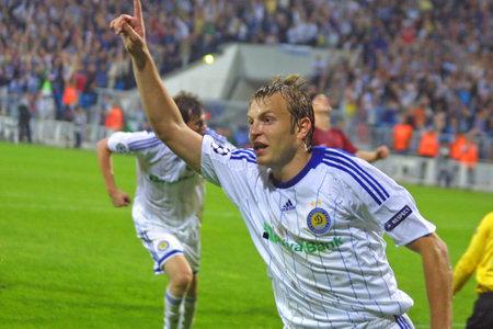 gusev: KYIV, Ucraina - 16 settembre: Centrocampista Oleg Gusev reagisce Dynamo Kiev dopo un gol durante il gioco UEFA Champions League contro il Rubin Kazan il Apr 16, 2009 a Kiev Editoriali