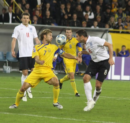 frank: DNIPROPETROVSK, UKRAINE - OCTOBER 10, 2009: Andriy Shevchenko (L) of Ukraine fights for a ball with Frank Lampard (R) of England during the WC2010 Group 6 qualifying football match at the Dnipro Arena on October 10, 2009 in Dnepropetrovsk. Ukraine won 1-0 Editorial