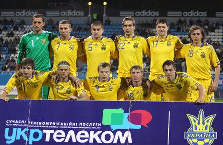 gusev: Kiev, Ucraina - 7 settembre 2010: Ucraina national soccer team di posa per una foto di gruppo prima di una partita amichevole contro il Cile il 7 settembre 2010 a Kiev, in Ucraina