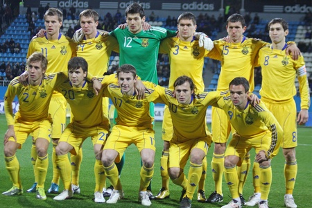 playoff: KYIV, UKRAINE - OCTOBER 12, 2010: Ukraine Under-21) national team pose for a group photo before UEFA European Under-21 Championship play-off game against Holland on October 12, 2010 in Kyiv, Ukraine