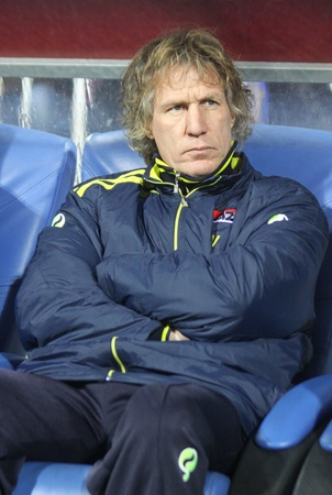 KYIV, UKRAINE - NOVEMBER 4, 2010: The head coach of AZ Alkmaar Gertjan Verbeek looks on during during UEFA Europa League game against Dynamo Kyiv on November 4, 2010 in Kyiv, Ukraine Stock Photo - 8770171