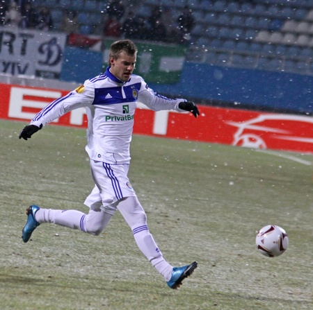 KYIV, UKRAINE - FEBRUARY 24, 2011: Andriy Yarmolenko of Dynamo Kyiv controls a ball during UEFA Europa League game against Besiktas on February 24, 2011 in Kyiv, Ukraine Stock Photo - 9020929