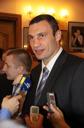 KYIV, UKRAINE - March 31, 2011: Famous boxer and the current WBC World heavyweight champion Vitali Klitschko gives an interview during Awarding Ceremony �Heroes of 2010 Sports Year� on March 31, 2011 in Kyiv, Ukraine Stock Photo - 10558536