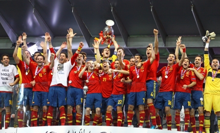 iniesta: KYIV, UKRAINE - JULY 1, 2012: Spain national football team celebrates their winning of the UEFA EURO 2012 Championship after the game against Italy at NSC Olympic stadium on July 1, 2012 in Kyiv, Ukraine