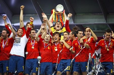 키예프, 우크라이나 년 7 월 1 일 - 2012 년 스페인 축구 국가 대표팀 키예프, 우크라이나에서 2012 년 7 월 1 NSC 올림픽 경기장에서 이탈리아와의 경기 후 UE