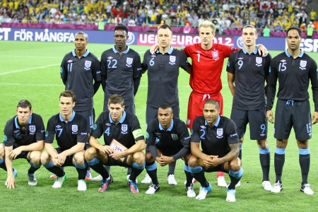 KYIV, UKRAINE - JUNE 15, 2012: England national football team pose for a group photo before UEFA EURO 2012 game against Sweden on June 15, 2012 in Kyiv, Ukraine 新聞圖片