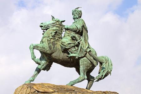the cossacks: Monumento de Bohdan Khmelnytsky, el Hetman de Ucrania Zaporozhian Cossacks, en la plaza de Sof�a en Kiev, Ucrania El monumento fue creado por el escultor Mikhail Mikeshin, y fue presentado en 1888 Foto de archivo