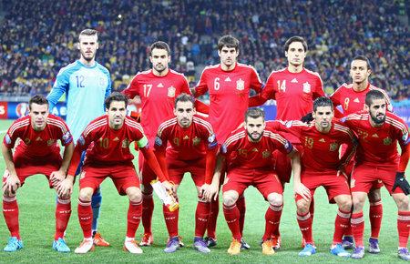 cesc: KYIV, UKRAINE - OCTOBER 12, 2015: Players of Spain National football team pose for a group photo before UEFA EURO 2016 Qualifying game against Ukraine at NSK Olimpiyskyi stadium in Kyiv