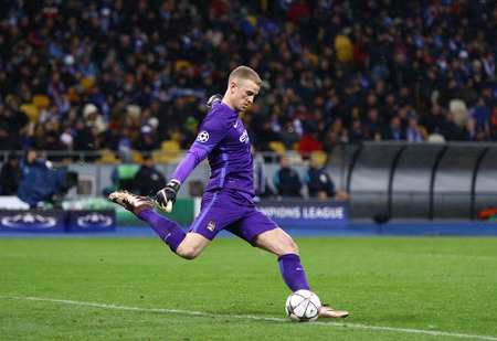 olimpiysky: KYIV, UKRAINE - FEBRUARY 24, 2016: Goalkeeper Joe Hart of Manchester City in action during UEFA Champions League Round of 16 football match against FC Dynamo Kyiv at NSC Olimpiyskyi stadium in Kyiv