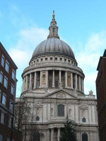 st pauls: St. Pauls Cathedral in London United Kingdom
