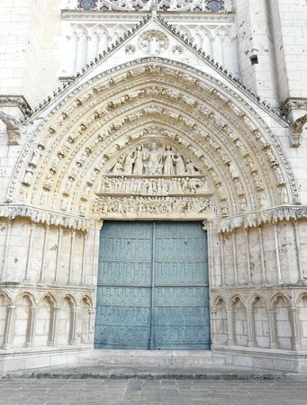 Church door at the Cathedrale Saint Pierre in Poitiers, France Stock Photo - 4579891