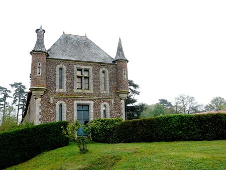gatehouse: One of the gatehouses at the Chateau la Raudiere near Poitiers in France