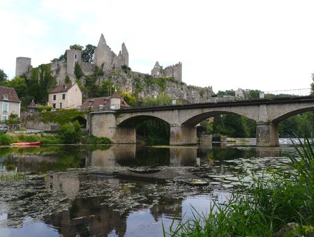 River and castle ruins at Angles sur l'Anglin, France
