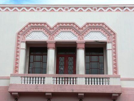 artdeco: En el exterior de un 1930?s Art-dec� edificio en Napier, Nueva Zelanda.  Napier fue destruida por un terremoto en 1931 y reconstruido en el estilo de la �poca, que era de Art Deco