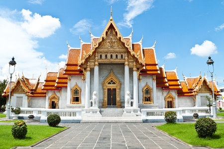 kelet ázsiai kultúra: buddhizmus templom legszebb Thaiföldön.