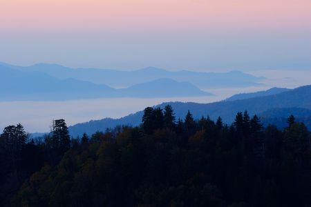 ridgeline: Sunrise above the clouds - Smoky Mountains Nat. Park, USA.