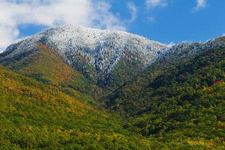 nat: Snow-capped Mountain - Smoky Mountains Nat. Park, USA.